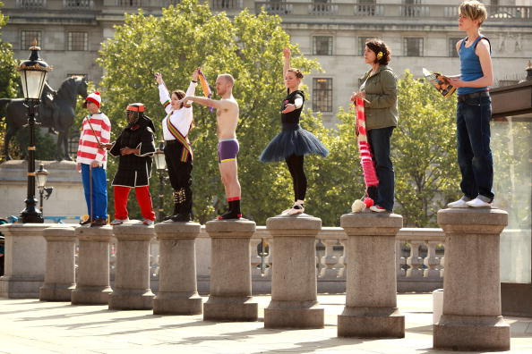 Manufactured Object「Anthony Gormley's Fourth Plinth Project Holds A Practice Session」:写真・画像(6)[壁紙.com]