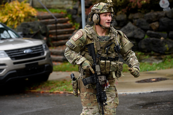 Pittsburgh「Shooter Opens Fire At Pittsburgh Synagogue」:写真・画像(8)[壁紙.com]