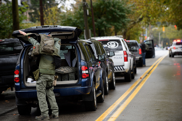 Tree Squirrel「Shooter Opens Fire At Pittsburgh Synagogue」:写真・画像(19)[壁紙.com]