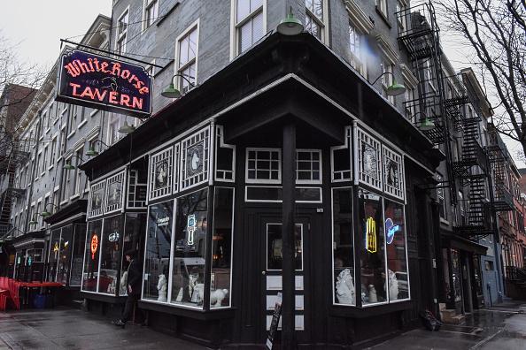 歴史「Protest Held At Iconic Greenwich Village Bar, The White Horse Tavern, Over Its Change Of Ownership」:写真・画像(5)[壁紙.com]
