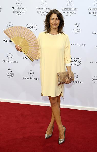 Yellow Dress「Marc Cain Arrivals - Mercedes-Benz Fashion Week Berlin Spring/Summer 2016」:写真・画像(18)[壁紙.com]
