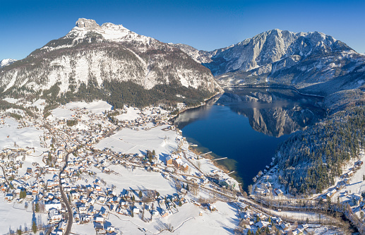 オーストリア「Lake Altausee with Mountains Loser and Trisselwand, Winter Panorama, Austria」:スマホ壁紙(9)