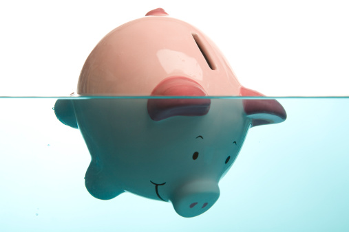 Savings「Drowning in debt」:スマホ壁紙(11)