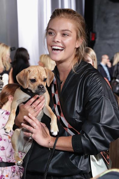 犬「Zadig & Voltaire - Front Row - September 2017 - New York Fashion Week」:写真・画像(6)[壁紙.com]
