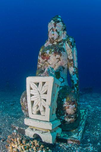 Buddha statue「Submerged Buddha statue in Tulamben, Bali, Indonesia.」:スマホ壁紙(15)