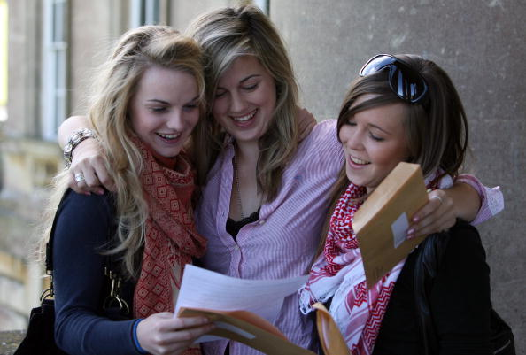 High School Student「A Levels Results Are Released」:写真・画像(4)[壁紙.com]