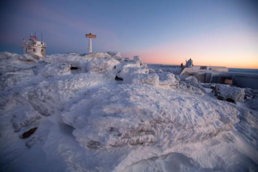 冠雪「Sunrise on the summit of Mt. Washington, the highest peak in New England,  in the White Mountains of」:スマホ壁紙(14)