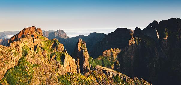 Pico Do Arieiro「Sunrise On Top Of Madeira Island」:スマホ壁紙(16)
