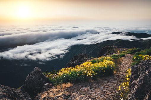 Pico Do Arieiro「Sunrise On Madeira Island」:スマホ壁紙(14)