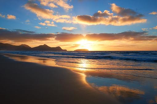 自然地理学「ポルト ・ サント島の日の出」:スマホ壁紙(4)