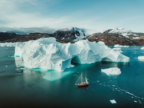 Sailboat「Sailing Expedition in East Greenland」:スマホ壁紙(3)