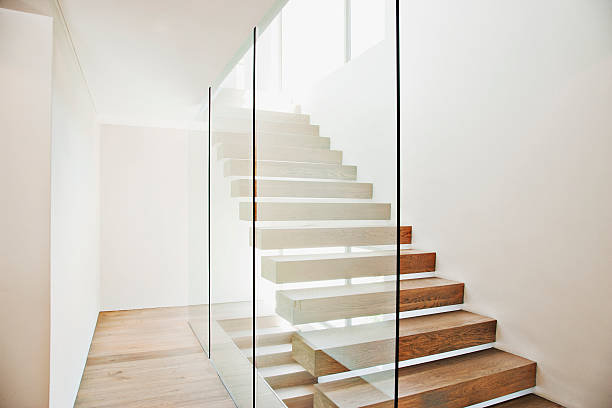 Floating staircase and glass walls in modern house:スマホ壁紙(壁紙.com)