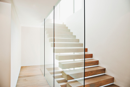 Steps and Staircases「Floating staircase and glass walls in modern house」:スマホ壁紙(19)