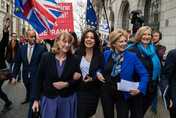 Group Of People「Conservative MPs Resign To Join The Independent Group」:写真・画像(12)[壁紙.com]
