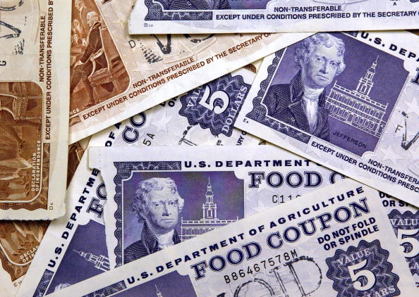 "Social Services「Electronic Food Stamp ""Debit"" Cards Replace Paper Coupons」:写真・画像(7)[壁紙.com]"