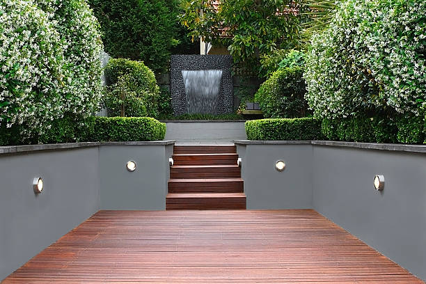 Garden with lights and wooden stairs in Sydney:スマホ壁紙(壁紙.com)