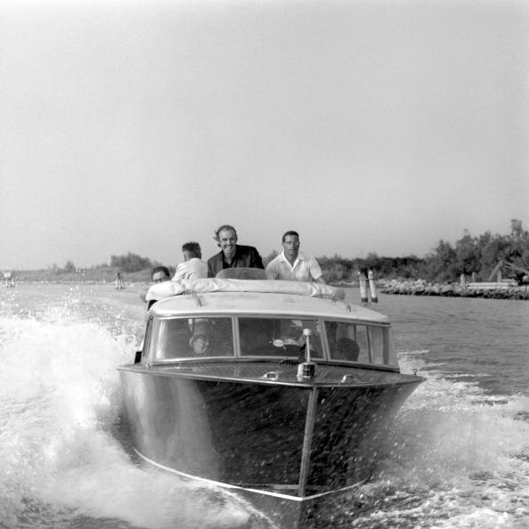 Passenger Craft「Racing On A Water Taxi」:写真・画像(11)[壁紙.com]