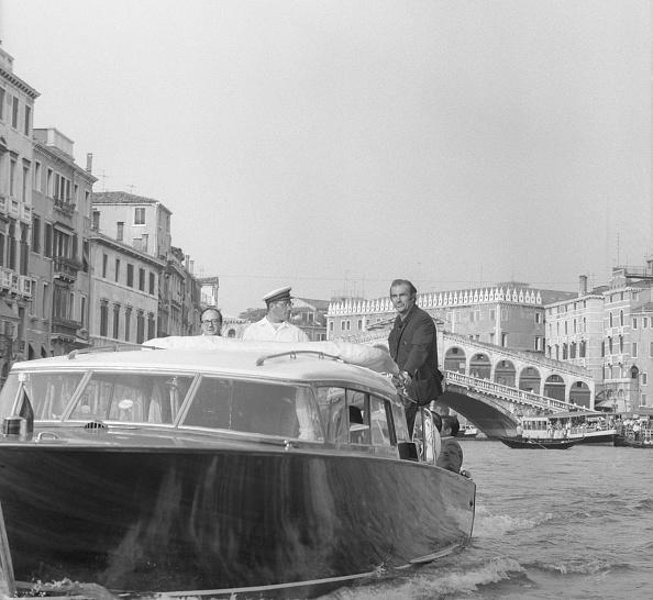 Passenger Craft「On The Canal Grande」:写真・画像(10)[壁紙.com]
