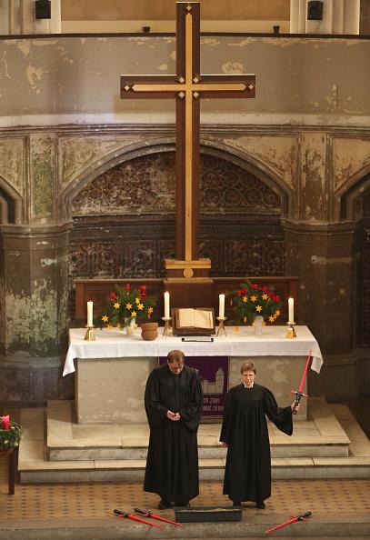 スター・ウォーズ・シリーズ「Berlin Church Holds Star Wars Service」:写真・画像(19)[壁紙.com]