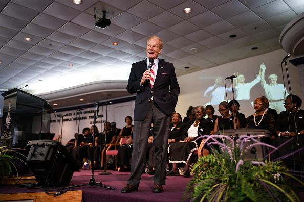 Scott Nelson「Dem. Senate Candidate Bill Nelson Campaigns In Orlando 2 Days Before Midterms」:写真・画像(13)[壁紙.com]