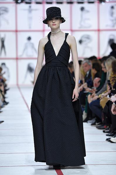 Autumn Winter Fashion Collection「Christian Dior : Runway - Paris Fashion Week Womenswear Fall/Winter 2019/2020」:写真・画像(11)[壁紙.com]