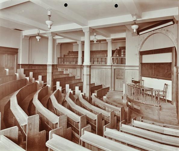 Classroom「Lecture Theatre, London Day Training College, Camden, 1907. Artist: Unknown.」:写真・画像(19)[壁紙.com]