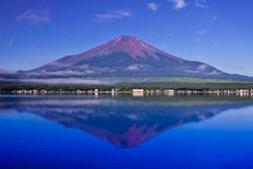 富士山「Lake Yamanaka and Mount Fuji」:スマホ壁紙(19)