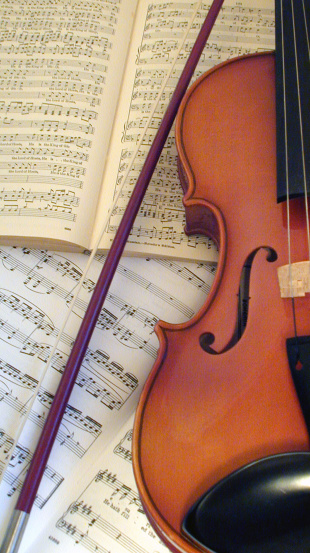 Violin「Violin on open Messiah scores」:スマホ壁紙(17)