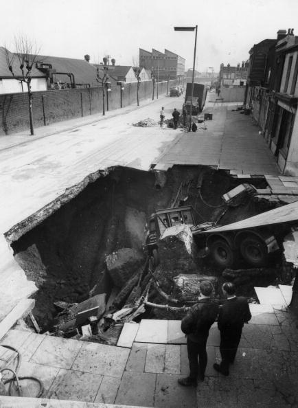 Hole「Lorry In Hole」:写真・画像(19)[壁紙.com]