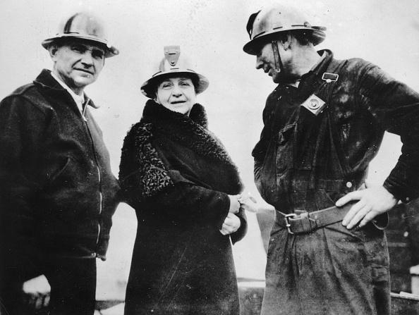 Construction Site「Frances Perkins -  U.S. Secretary Of Labor - At The Construction Site For The Golden Gate Bridge In San Francisco. 5Th April 1935. Photograph.」:写真・画像(8)[壁紙.com]