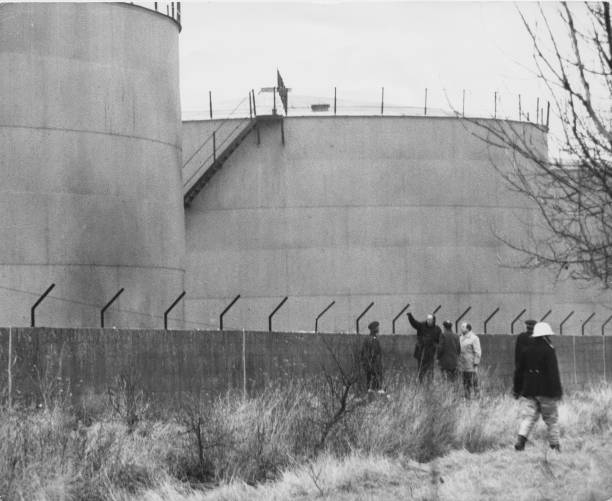 Finance and Economy「IRA Attack On Canvey Islad」:写真・画像(0)[壁紙.com]