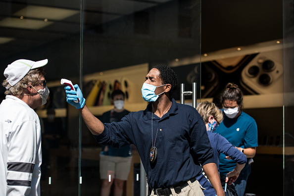 Reopening「Apple Re-Opens Retail Store In Charleston, SC Amid COVID-19 Pandemic」:写真・画像(8)[壁紙.com]
