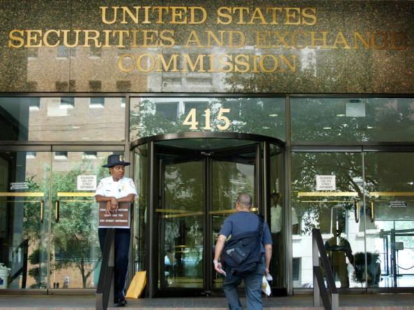 Security「Financial Reports Due at SEC 」:写真・画像(4)[壁紙.com]