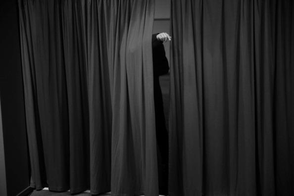 Curtain「SPD Federal Convention: An Alternative View」:写真・画像(9)[壁紙.com]