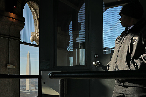 Washington DC「Clock Tower In Government Owned Old Post Office Building Housing Trump Hotel Remains Open During Shutdown」:写真・画像(1)[壁紙.com]
