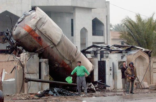 Baghdad「Fuel tanker explodes in Baghdad」:写真・画像(19)[壁紙.com]