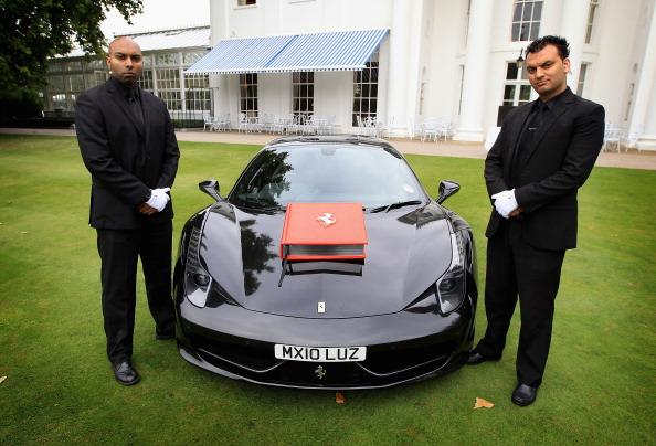 Costume Jewelry「The World Renown Ferrari Opus Diamante Edition Delivery to the Hurlingham Club」:写真・画像(3)[壁紙.com]