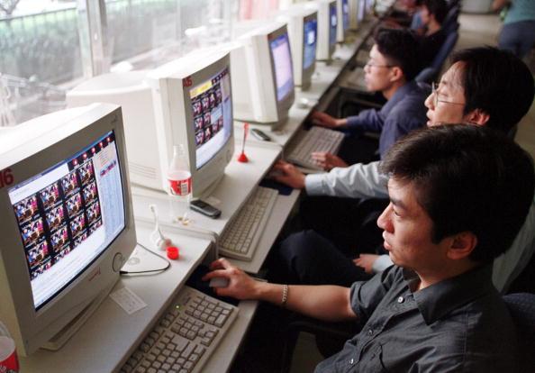 Computer Monitor「Internet Cafes Closing in Beijing」:写真・画像(5)[壁紙.com]