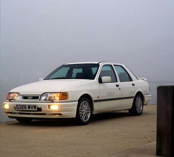 Caucasian Ethnicity「1990 Ford Sierra Sapphire RS Cosworth」:写真・画像(16)[壁紙.com]