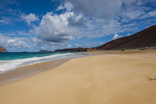 La Graciosa - Canary Islands「Playa de las Conchas and Bermeja Mountain」:スマホ壁紙(15)