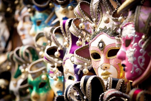 Period Costume「Venetian mask, selective focus」:スマホ壁紙(9)