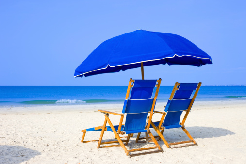 Sunshade「Beach with Lounge Chairs and Umbrella」:スマホ壁紙(10)