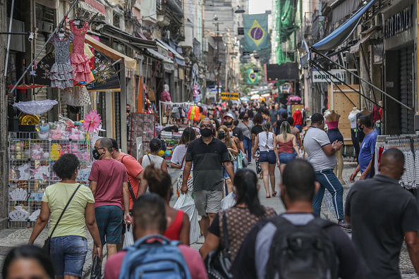 Brazil「The City of Rio de Janeiro Brings Forward the Reopening of Further Businesses Amidst the Coronavirus (COVID - 19) Quarantine」:写真・画像(18)[壁紙.com]