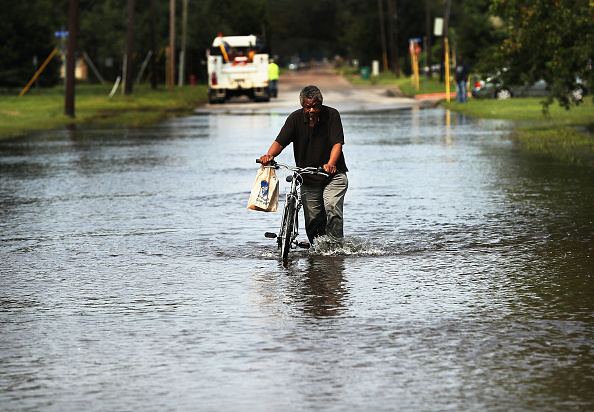 Recovery「Floods Hinder Recovery Efforts In Southeast Texas」:写真・画像(17)[壁紙.com]