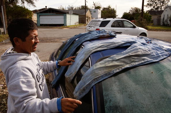 Hurricane Ike「Coastal Texas Faces Heavy Damage After Hurricane Ike」:写真・画像(14)[壁紙.com]