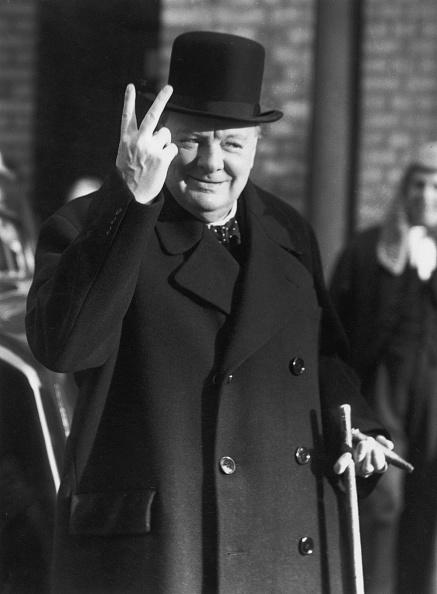 Peace Sign - Gesture「V-Sign」:写真・画像(12)[壁紙.com]