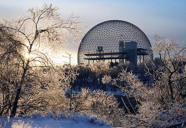 Montreal biosphere during the winter:スマホ壁紙(壁紙.com)