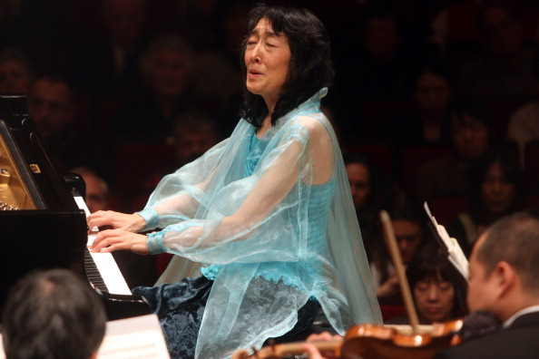Classical Music「Mitsuko Uchida」:写真・画像(9)[壁紙.com]