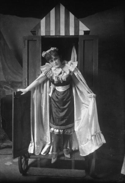 Victorian Style「Bathing Belle」:写真・画像(19)[壁紙.com]