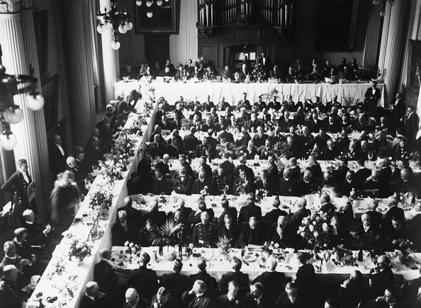 Dining Room「Oyster Feast」:写真・画像(2)[壁紙.com]
